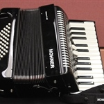 Hohner Bravo II 48 Black and White